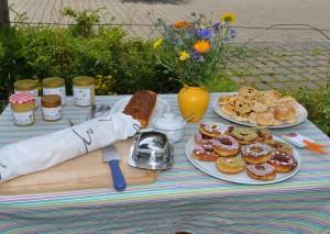Im AngebotRosinenschnecken, Marmorkuchen, Donuts und natürlich Honig